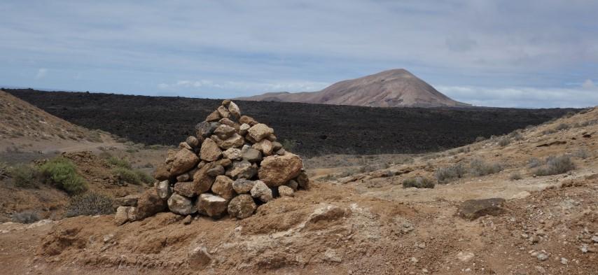 Lanzarote, začátek stoupání na Montaña Blanca