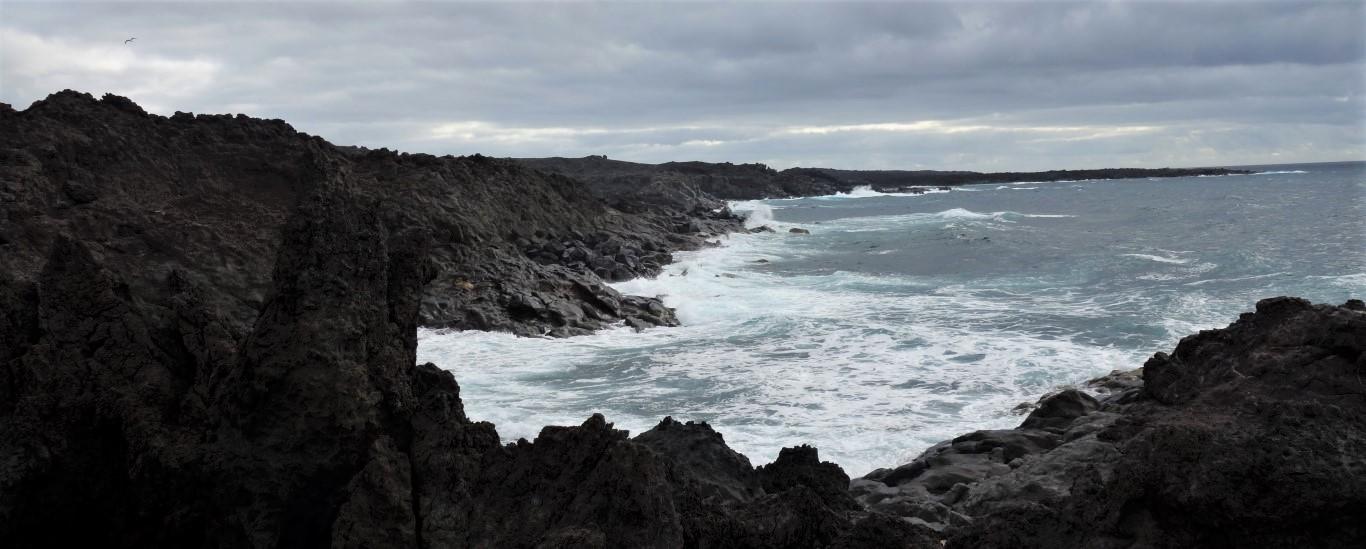 Lanzarote, pobřeží formované lávovým polem