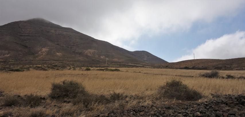 Montaña de la Muda cestou z vesnice Tindaya do Tefíe