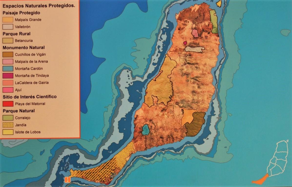 Mapa Fuerteventury s vyznačenými chráněnými územími