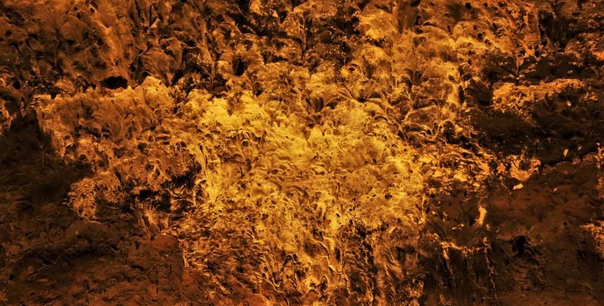 Útvary podobné krápníkům z natavené horniny