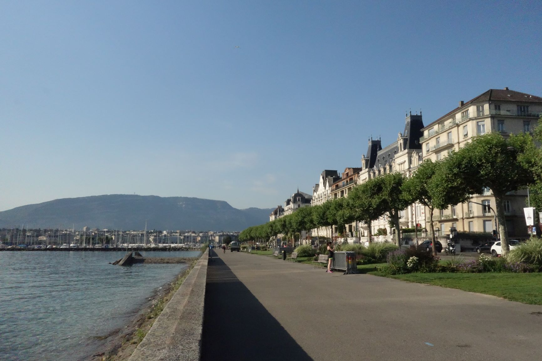 Nábřeží Ženevského jezera, z Alpenpanorama Weg