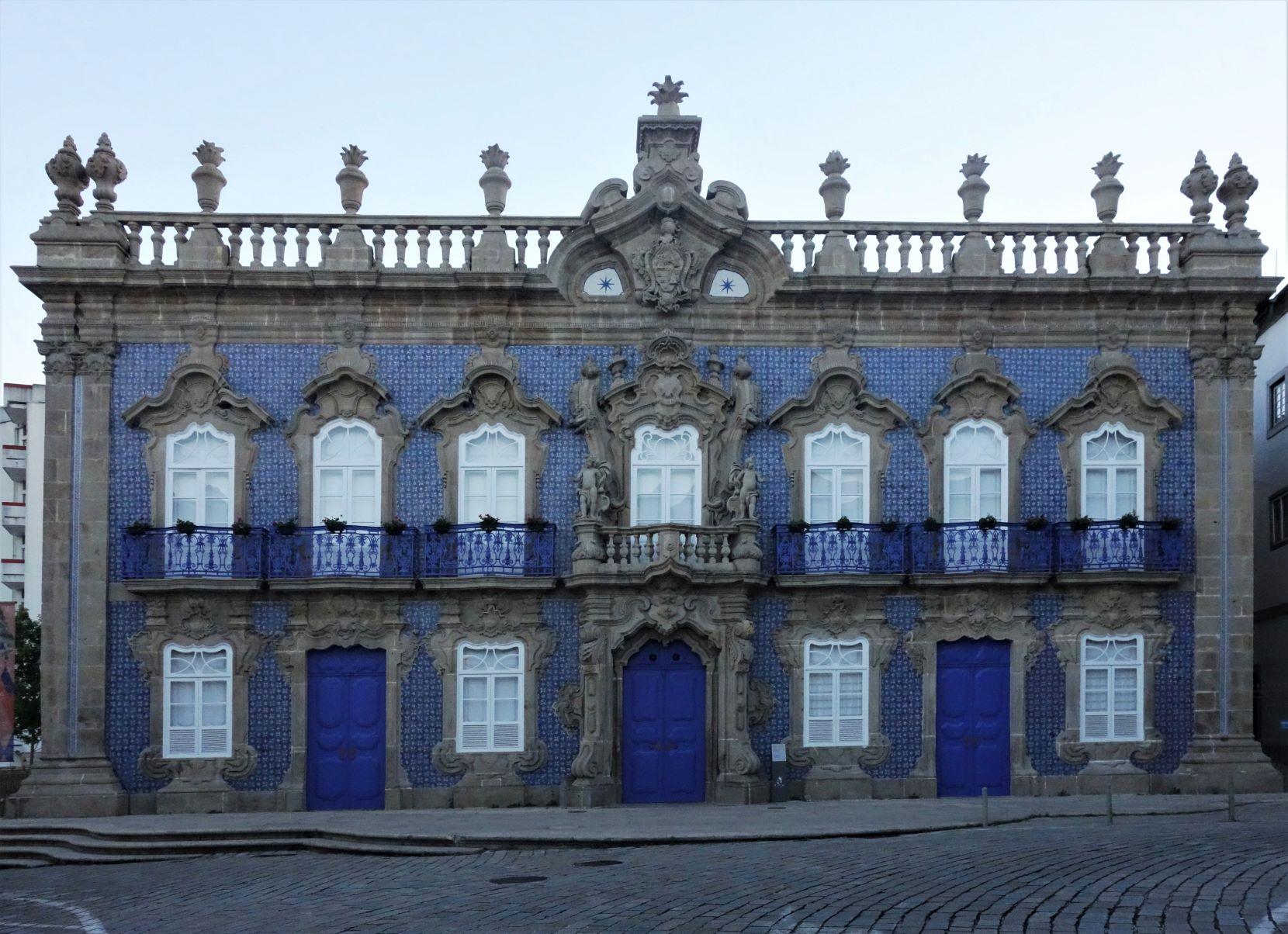 Dům s typickou obloženou fasádou