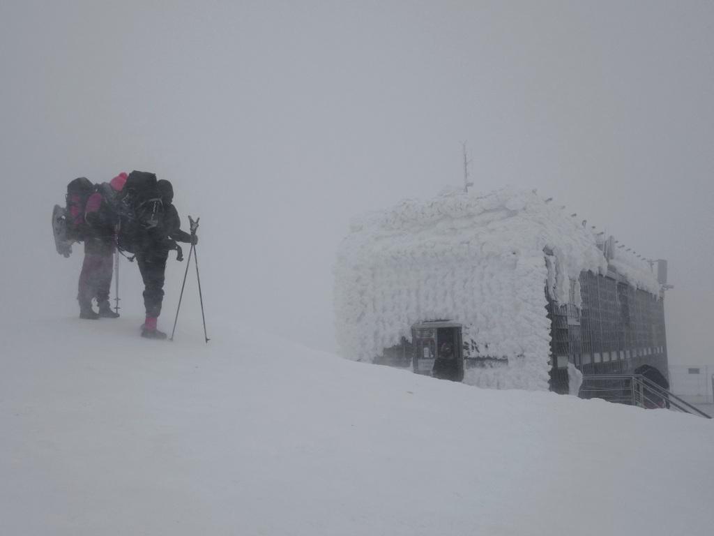 Výstup na Sněžku. Psí počasí na Sněžce v zimě