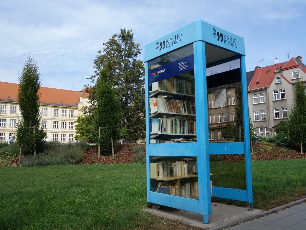 Krkonošská knihobudka Trutnov, Jiráskovo náměstí